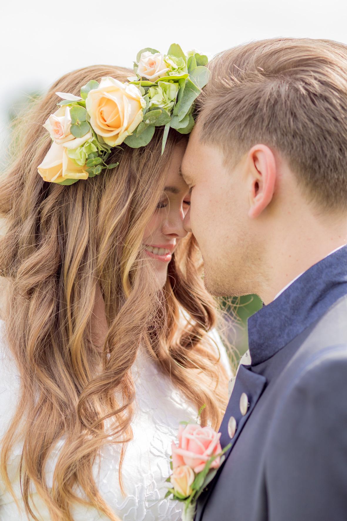 bayrisch angehauchte Braut auf einer Hochzeit nähe Münster